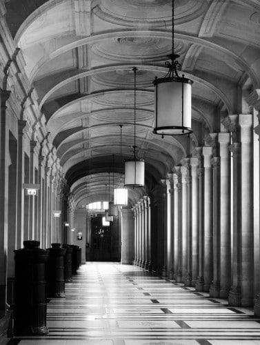 Galerie du Palais de Justice de PARIS © Cabinet MCE - Marie Camille ECK, Avocat au Barreau de PARIS