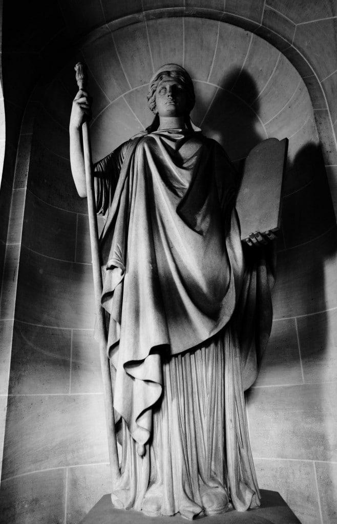 Statue de la justice - Palais de Justice de PARIS © Cabinet MCE - Marie Camille ECK, Avocat au Barreau de PARIS
