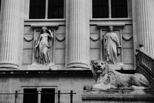 Statue lion Palais de Justice de PARIS © Cabinet MCE - Marie Camille ECK, Avocat au Barreau de PARIS