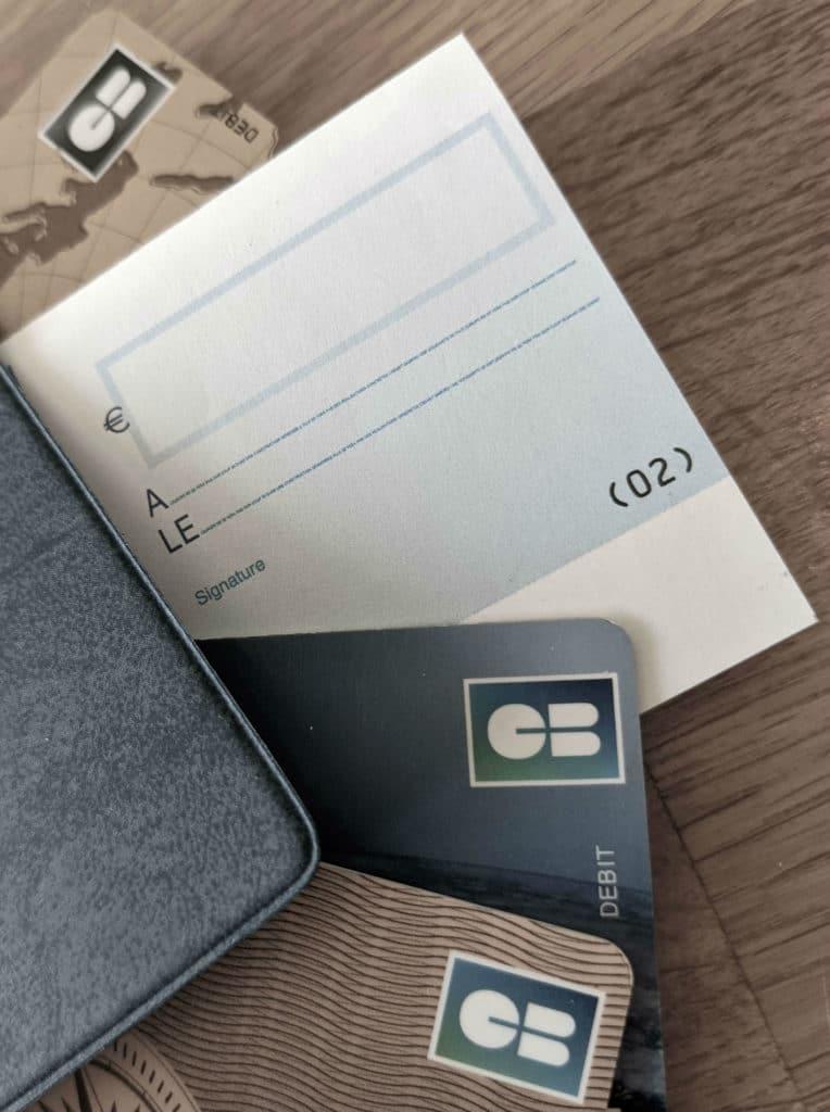 Cartes bleues, chéquier et chèque © Cabinet MCE - Marie Camille ECK, Avocat usurpation d'identité