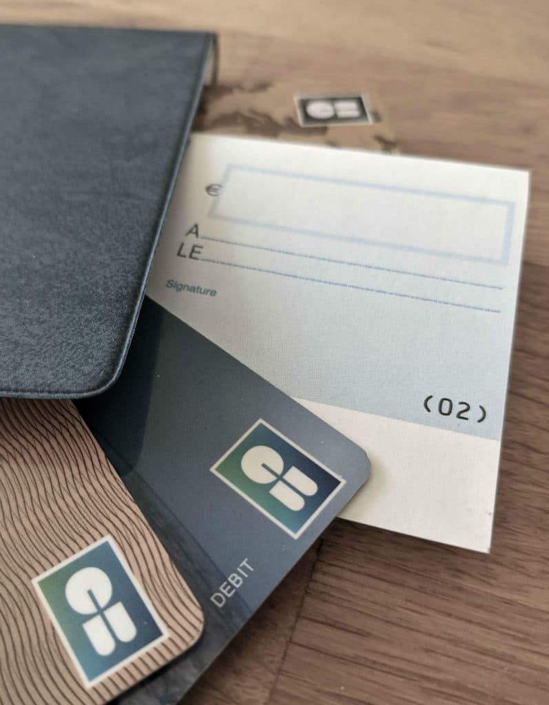 Cartes bleues et chèque © Cabinet MCE - Marie Camille ECK, Avocat usurpation d'identité
